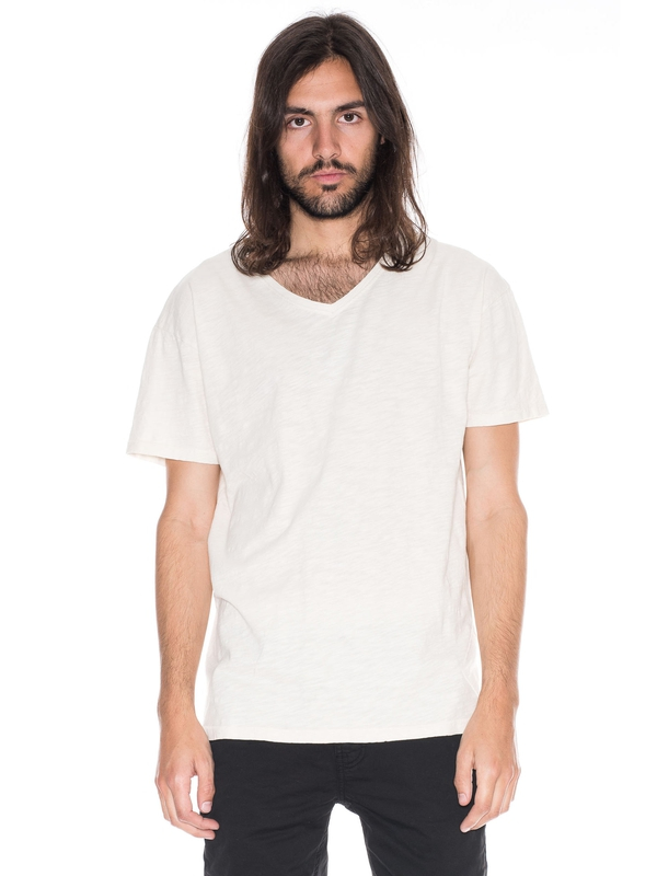 Lasse Loose V-Neck Offwhite solid tees