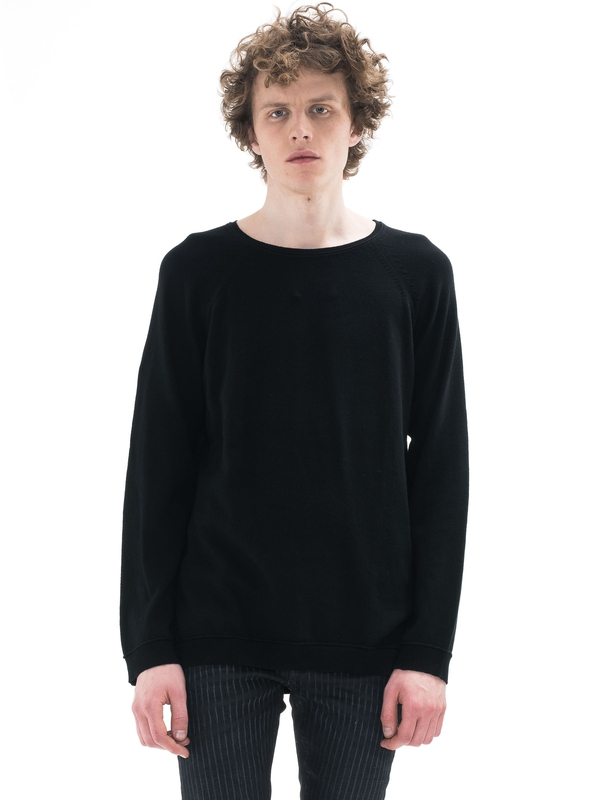 Viktor Light Cotton Black knits